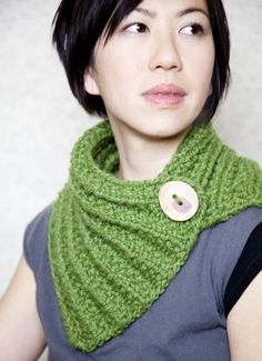 neck warmer. @Amy Tanner needs to make this for me!