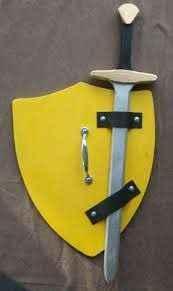 thor shield and sword - Projects For Kids, Wood Projects, Woodworking Projects, Crafts For Kids, Craft Font, Knight Party, Dragon Party, Kids Dress Up, Armor Of God