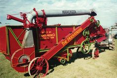 Restored 1922 Wagner-Langemo 24-41 Hooverizer Thresher Antique Tractors, Vintage Tractors, Old Tractors, Vintage Farm, Tractor Farming, Harvest Day, Steam Tractor, Old Farm Equipment, Farm Tools