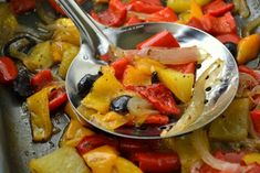Peperoni e verdure al forno Finger Foods, Italian Recipes, Thai Red Curry, Soup, Chicken, Meat, Vegetables, Ethnic Recipes, Olive