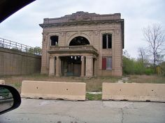 Old Gary, In Train Station