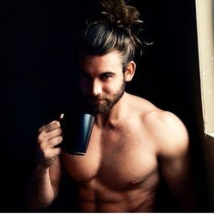 men male sexymen sexymale coffee coffeelover beard morning coffeeaddict café cafe belle gueule beau mec Thanks to Brock Ohurn, Hipster Noir, Hair And Beard Styles, Long Hair Styles, Sexy Bart, Hommes Sexy, Attractive Men, Man Crush, Bearded Men