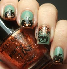 Teal Pumpkin Nails with Orange Glitter | #halloween #nailart #halloweennails