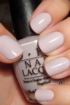 False nails have the advantage of offering a manicure worthy of the most advanced backstage and to hold longer than a simple nail polish. The problem is how to remove them without damaging your nails. Wedding Manicure, Manicure And Pedicure, Manicure Ideas, Manicure Rosa, Jamberry Wedding, Fall Nail Colors, Nail Polish Colors, Nail Colour, Nude Color