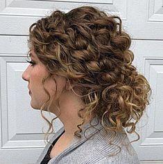 Curly Hair Updo Wedding, Bridesmaid Hair Updo, Wedding Hair And Makeup, Wedding Hairstyles For Curly Hair, Wedding Updo With Braid, Curly Bun Hairstyles, Curly Hair Braids, Long Curly Hair, Natural Curly Hair Updos