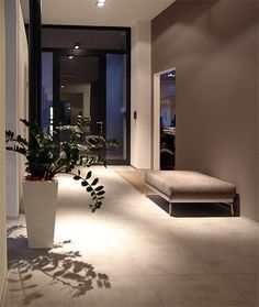 I really like the play of light in the entrance area.- Die Lichtspiele im Eingangsbereich gefallen mir sehr gut. Es ist nicht zu viel L… I really like the play of light in the entrance area … - Interior And Exterior, Interior Design, House Entrance, Dream Home Design, House Rooms, Home And Living, Living Room Decor, New Homes, Home Decor