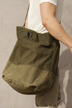 Messenger bag, use jeans or cargo pants