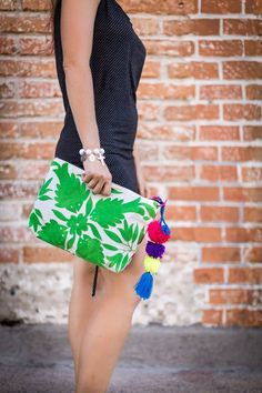 Michelle Over Sized Clutch featuring Otomi Embroidery – Rosemary Collective Mexican Embroidery, Hand Embroidery, Leather Embroidery, Mexican Fashion, Ethnic Bag, Handmade Purses, Fabric Bags, Cotton Bag, Cloth Bags