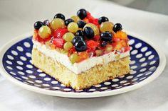 Früchte Topfen Kuchen - Rezept auf www.kochschuerze.at/blog Cheesecake, Sweets, Desserts, Gelee, Dessert Ideas, Food Food, Backen, Bread, Sweet Pastries