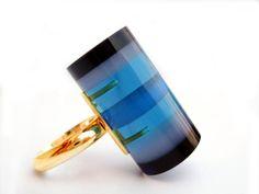 Ring,  Gold, plexiglas