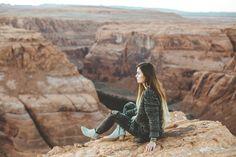 Outfit details: http://www.blackfaun.com/single-post/2017/06/01/Horseshoe-Bend  #travelguide #travel #adventure #travelblog #travelblogger #adventureblog #adventureblogger #wanderlust #boho #chic #bohochic #traveltips #arizona #utah #guide #nature #naturephotography #landscape #landscapephotography #photography #photographer #lightroom #lightroompresets #presets #photographypresets #fashion #style #fashionblog #fashionblogger #blogger #styleblog #styleblogger