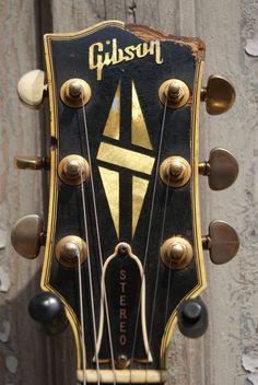 Gibson Guitars – Page 13 – Learning Guitar Gibson Electric Guitar, Gibson Guitars, Electric Guitars, Guitar Logo, Guitar Amp, Guitar Pics, Cool Guitar, Les Paul Custom, Guitars For Sale