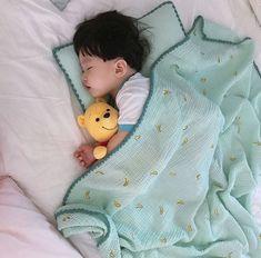 T/n un modelo mejores modelos… # Romance # amreading # books # wattpad Cute Baby Boy, Cute Little Baby, Little Babies, Cute Kids, Baby Kids, Baby Baby, Cute Asian Babies, Korean Babies, Asian Kids