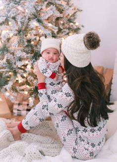 burts bees mommy and me matching family holiday christmas pajamas Baby Christmas Pajamas, Family Holiday Pajamas, Family Christmas Outfits, Family Christmas Pictures, Family Outfits, Christmas Baby, Matching Family Christmas Pajamas, Burts Bees Christmas Pajamas, Family Photos