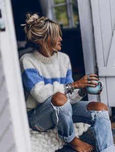 e205d9df16 30 Cozy Street Style Outfits To Fall In Love With Winter Outfits