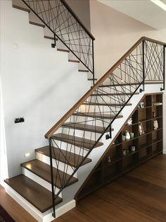 Ahşap merdiven basamağı