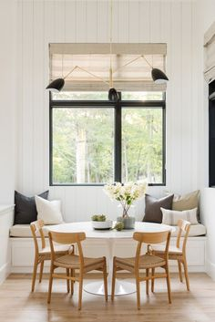 dinning nook - white, natural, and black accents interior traditional Modern Lake House: Kitchen + Nook Dinning Nook, Dining Room Storage, Dining Room Lighting, Dining Room Design, Kitchen Dinning, Kitchen Banquette Ideas, Dining Chairs, Dining Rooms, Dinning Room Ideas