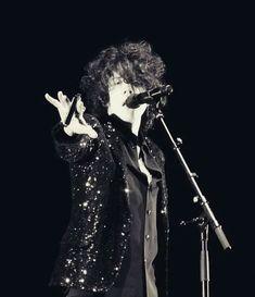 Lp Concert, Lp Singer, Mercury Black, Lp Laura Pergolizzi, Music Wall, Queen, Attractive People, I Icon, Pop Rocks