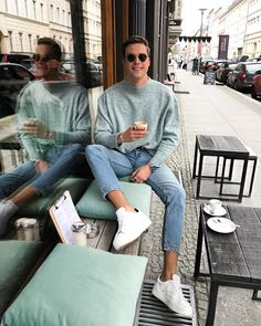 Coffee break cake already ordered Summer Outfits Men, Stylish Mens Outfits, Casual Outfits, Men Casual, Vintage Summer Outfits, Fashion Outfits, Mode Streetwear, Streetwear Fashion, Men Looks