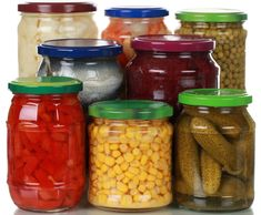Příprava a zavařování zeleniny - Milujizavařování.cz Pickles, Mason Jars, Food, Essen, Mason Jar, Meals, Pickle, Yemek, Eten