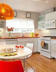 retro-küche orange schüsselförmige hängelampe durchsichtig