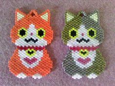 ★恋したニャン★|Craft Cafe(クラフトカフェ) Bead Loom Patterns, Beading Patterns, Stitch Patterns, Cat Jewelry, Beaded Jewelry, Modele Pixel Art, Bijoux Diy, Cat Pattern, Beading Projects