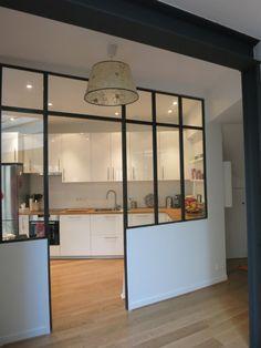 verrière ouverte cuisine/salon.
