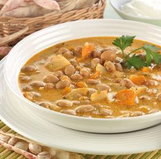 Fejtettbab-leves Hungarian Cuisine, Hot Soup, Thai Red Curry, Food And Drink, Ethnic Recipes, Soups, Soup