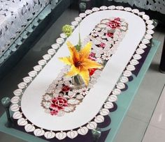 Elegant Design Polyester Embroidery Table Runner Satin Embroidered Floral Cutwork Cloth Towel Covers