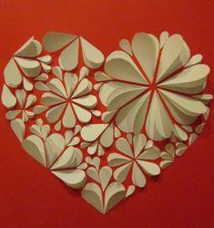 Сердечки своими руками на 14 февраля (31) Paper Flower Art, Paper Flowers Craft, Giant Paper Flowers, Paper Flower Tutorial, Flower Crafts, Diy Flowers, Crafts To Make And Sell, Diy And Crafts, Arts And Crafts