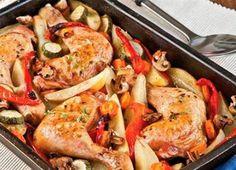 #CocinaRico ¿Qué harás de almuerzo hoy? Te recomendamos esta exquisita receta de un pollo asado con verduras, es fácil y económica.