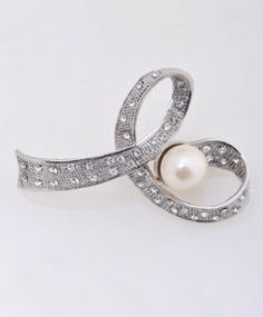 """Fresh Water Pearl and Rhinestone design pin brooch boxed-gifts. $8.99. Lead complaint. Freshwater pearl and rhinestone. Free gift box included. Fasten securely with metal pin. 2.75"""" H 2"""" L"""