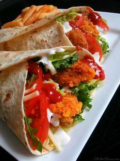 Kliknij i przeczytaj ten artykuł! Kebab, Pizza, Tortilla, Home Food, Easy Cooking, Tasty Dishes, Food Photo, Food Videos, Appetizer Recipes