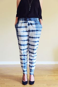 shibori dyed pants — shows tying pattern, and how she dyed loose-cut fabric pieces before she sewed the pants