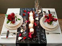 Camino de mesa con chalk paint y mensajes #SanValentin #mesasparados #ValentinesDay #tablesettings #tablesfortwo