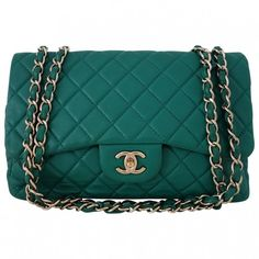 Green Leather Handbag Timeless CHANEL (56.490 ARS) ❤ liked on Polyvore featuring bags, handbags, purses, chanel, bolsas, green leather purse, hand bags, chanel bags and green leather handbag