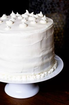 Icing Recipes (White Buttercream, Cream Cheese, Marshmallow Cream, Creamy Peanut Butter, Royal and more)