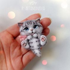 Discover recipes, home ideas, style inspiration and other ideas to try. Baby Animals Super Cute, Cute Stuffed Animals, Cute Little Animals, Needle Felted Cat, Needle Felted Animals, Fluffy Animals, Felt Animals, Baby Animals Pictures, Felt Cat