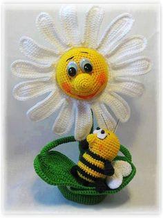 пчелка и ромашка