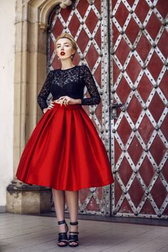 Couture Skirts, Sexy Older Women, Fall Winter Outfits, Crop Tops, Flannel, Black Women, Community, Vintage, Clothes