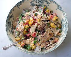 Χορτοφαγικές Γεύσεις: Σαλάτα Με Αραβικές Πίτες Και Σως / Delicious Vegetarian Salad