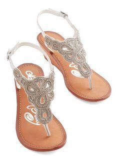 lovely sandals  http://rstyle.me/n/wfkgwpdpe
