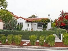 Built in 1927, this is one of the traditional Spanish style homes Santa Monica is known for... love these houses!