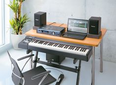 RD-64: Digital Piano: Grand Piano Sound and Touch in a Compact Instrument
