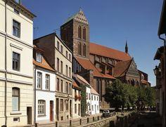 St. Nikolai in Wismar: eine der groessten Kirchen in ganz Europa.
