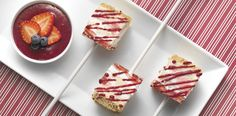 Strawberry Cheesecake Lollipops Recipe Hero O Cheesecake On A Stick Recipe, Cheesecake Pops, Strawberry Cheesecake, Cheesecake Recipes, Dessert Recipes, Dessert Ideas, Parfait Desserts, Mini Desserts, Summer Recipes