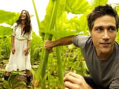 Evangeline Lilly and Matthew Fox - LOST. what is this picture
