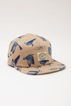 Esta gorra es interesante. No pienso llevar porque las gorras me queda mal.