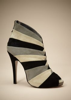 This shoe could fix any bad day. - Awesome! *_*