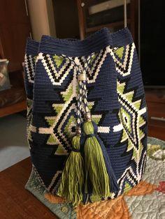 Crochet bag Chunky Crochet, Knit Crochet, Mochila Crochet, Tapestry Crochet Patterns, Tapestry Bag, Crochet Purses, Knitting Accessories, Knitted Bags, Handmade Bags